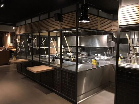 stalen keukenafscheiding restaurant